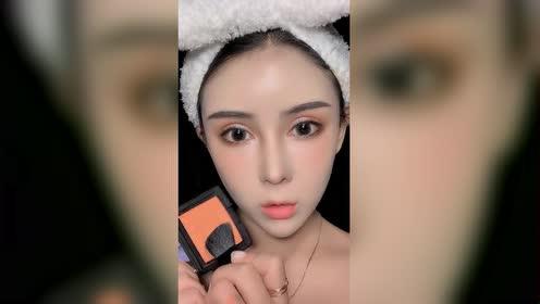 跟闺蜜学的十秒化妆术!眼睛会了!手能借我用用吗?!