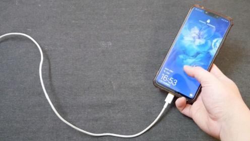 一边充电一边玩手机,对手机到底有没有损害?提醒家里人,很重要