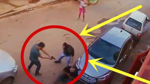 劫匪瞄准目标刚准备下手,谁料当场被反杀,连警察局都不用去了!