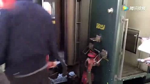 外号烧酒的SS9G机车 在北京站给京沪神车1461次挂车
