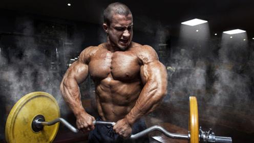 他用这强势的训练方式,练就出爆发力惊人的完美身材!