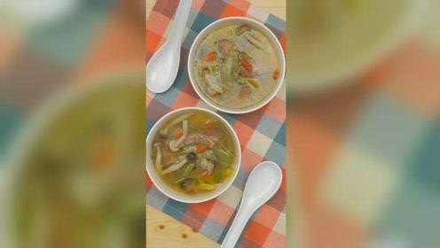 孕产营养(哺乳期):白玉菇丝瓜猪肝汤