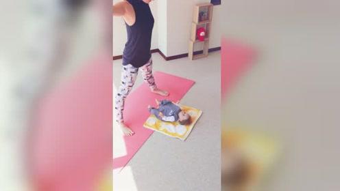 产后瑜伽:缓解腰疼,促进肠胃蠕动的产后瑜伽