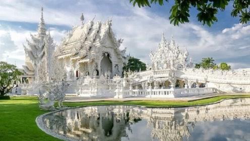 泰国清莱白庙,宛如一座落入凡间的琼楼玉宇,美得不要不要的