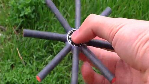 老外用鞭炮制作了一个指尖陀螺,点燃后是什么场面?真是太会玩了!