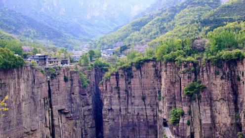 悬崖上的村子,四周是万丈深渊,被誉为世界第九大奇迹