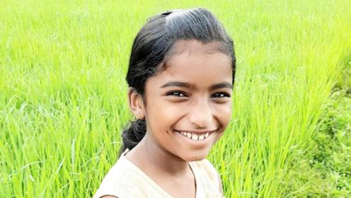 印度女孩被蛇咬伤 老师不信坚持上课致其毒发身亡