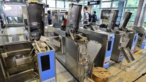 香港铁路终于向暴徒发声:将向破坏港铁者索赔,人均达数十万!