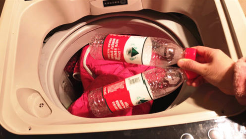 洗衣服时,洗衣机一定要放2个塑料瓶,聪明人看完立马学