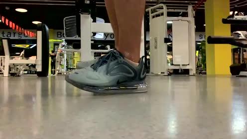 球鞋分享:耐克Air Max720全掌气垫死亡缓震了解一下?