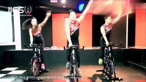这么劲爆的动感单车见过吗?专业团队花式骑单车,简直太嗨了