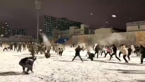 下雪了,打雪仗去,走医保的那种!