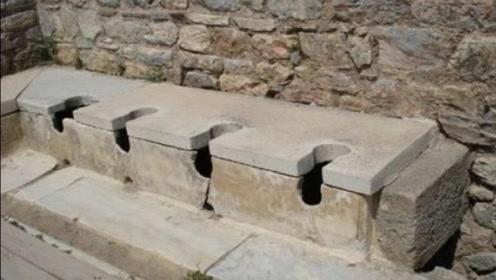 故宫中没有厕所,古代人是怎么上厕所呢!看完视频后大家就明白了