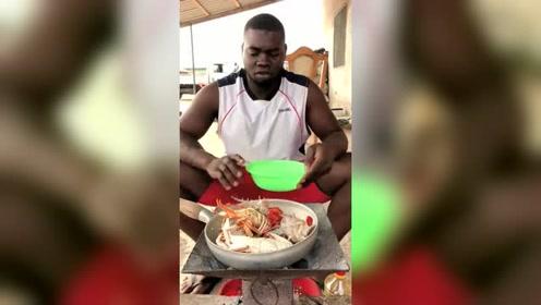 这才是非洲有钱人吃的,打开锅盖的那一刻,贫穷限制了我的想象!