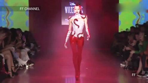 精致小巧的红皮裤,尽显美女妙曼身姿,甜美动人!