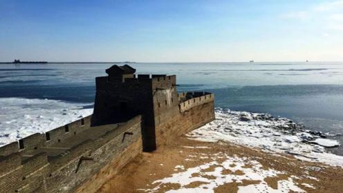 为什么长城的尽头会伸入渤海30米,是怎么建造的?今天算长见识了