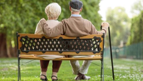 50岁是寿命决定期,提醒:无论男女,请晨起要坚持做好四件事