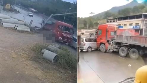 大货车撞倒摩托车又怼上面包车 摩托上人员惨遭推行碾压