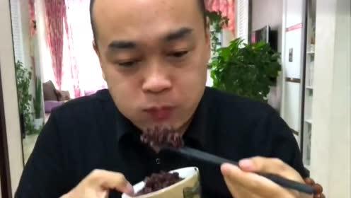 东华北大哥开饭啦,今天吃个麻婆豆腐,吃东西永远都是干干净净的