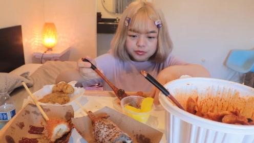韩国小姐姐在线吃播,零食都是油炸的!而且全程没有吃泡菜