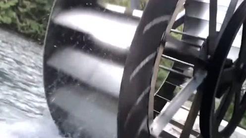 老外的铁轮子充分利用了水能源