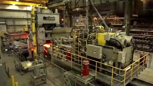 恕我直言,这样的重型机械加工已经不多见了,这才是工业的基础