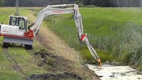 专业铲水草的机器,方便效率高