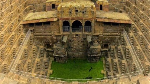 """印度最豪华的""""古井"""",内部犹如一座宫殿,养活了30万人!"""