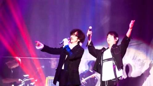 周传雄开唱哽咽谢歌迷 邀好友黄品源合唱《小薇》