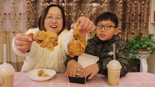 """试吃""""肯德基圣诞节套餐"""",吃了个火鸡汉堡,没想到火鸡肉这么嫩"""