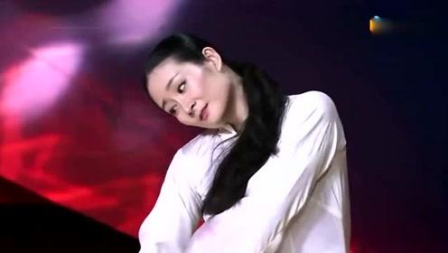 她因《乡村爱情》走红,离开赵本山另辟天地,今成世界知名舞蹈家