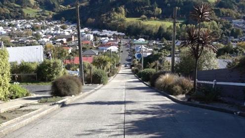 """世界上""""最坑人"""" 的街道,人们回家全靠爬,汽车上去都是难题!"""