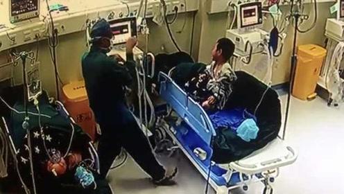 麻醉医生扮猴哥安慰3岁小病人走红,妻子一句话令人心酸