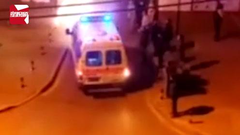 8旬老人突发脑溢血,救护车被小区起降杆拦了30分钟,送医后身亡