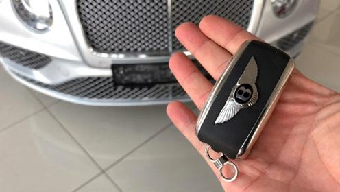 拿到2019款宾利欧陆GT的车钥匙,近距离感受下,啥叫奢华的极致