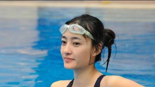 当李成敏撞上王丽坤,两人同穿泳衣,网友:清纯在性感面前不值一提