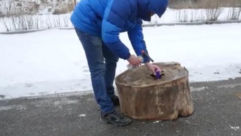 把魔鬼鞭炮塞进木桩里,能将其炸开吗?网友:有种智商受辱的感觉