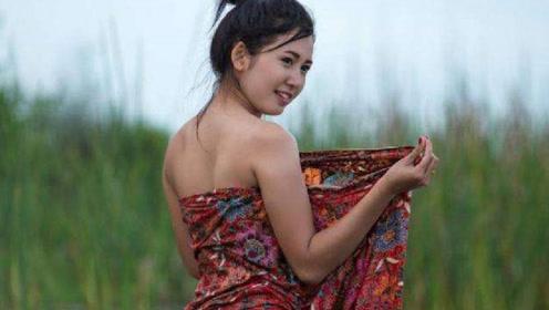 缅甸女子很主动,伸手就要给男游客换笼基,中国游客吓坏了!