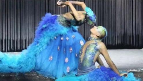 杨丽萍跳舞太投入,当和男徒弟的动作镜头放大,网友:不堪直视!