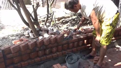新式砌墙方法,农村瓦工师傅这样砌墙,省砖又美观