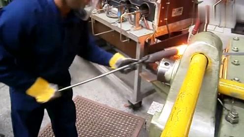 超大螺栓是怎么制造的?六角面原来是烧红了怼出来的,看完长见识!