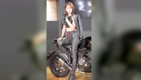 气质车模柳多妍!人见人爱
