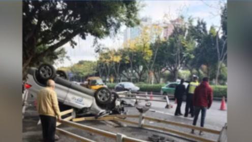 福州一电动车和共享汽车相撞,汽车四脚朝天,电动车车主当场死亡