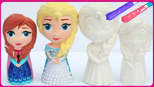 亲子互动学习画画给艾莎公主和安娜公主们填上颜色 小怜玩具