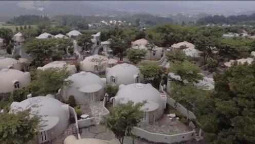 日本为预防地震研发发泡胶房,没有房梁和柱子,能抵御7级地震!