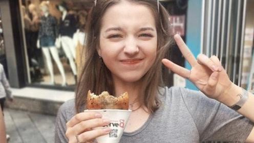 因爱吃韩国料理网上走红 俄罗斯女孩被授予韩国形象大奖