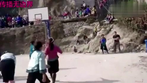 广西某村女子篮球赛,乔丹看了会惊叹,科比看了会流泪!