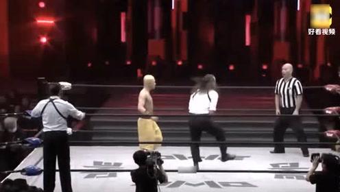 欧美老奶奶以一敌二_摔角赛场少林武僧被外国选手挑衅,以一敌二,暴打老外!