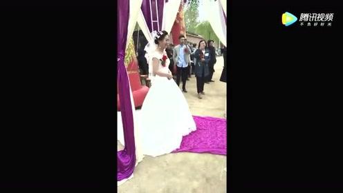 新郎为新娘献歌,这个唱得,新娘连逃婚的心都有了