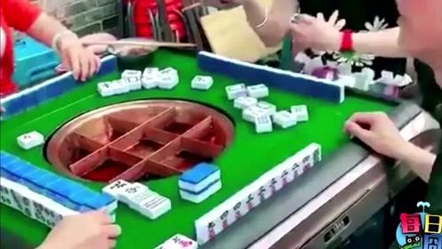 吃火锅边打麻将,你们城里人可真会玩